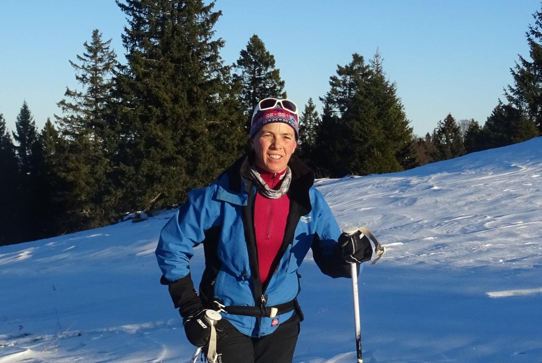 Fanny Girod en ski de rando nordique dans les Montagnes du Jura